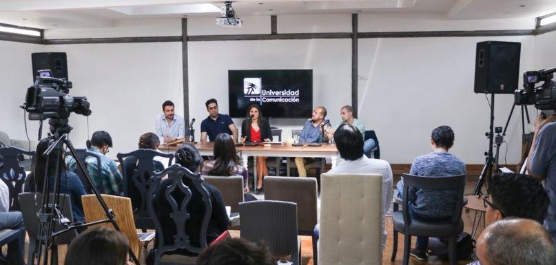 De izquierda a derecha Salvador Corrales (UC), Ignacio Estanga (Twitch), Paula Cutuli (Social Media Week México), Daniel Granatta (Creativo y Futurista) y Carlos Calleja (UPSOCL)