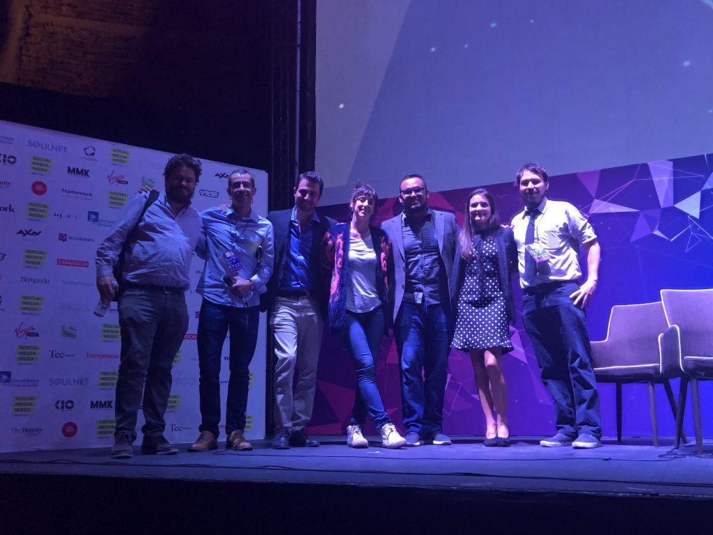 """Para finalizar el primer día de la Social Media Week México, se realizó un panel titulado """"#Closer La división social y la conectividad""""."""