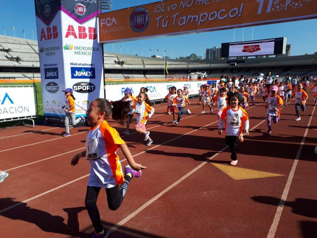 La empresa Iberdrola México se unió por segundo año consecutivo a 11a Carrera AtléticaAquí Nadie Se Rinde en pro de los niños con cáncer.