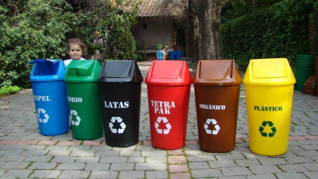 La naturaleza podría aportar 75 mil millones de euros anuales en españa, una forma es con el reciclaje de plásticos.