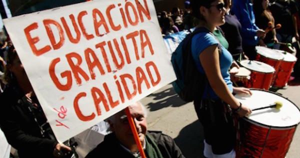 Educación pública gratuita
