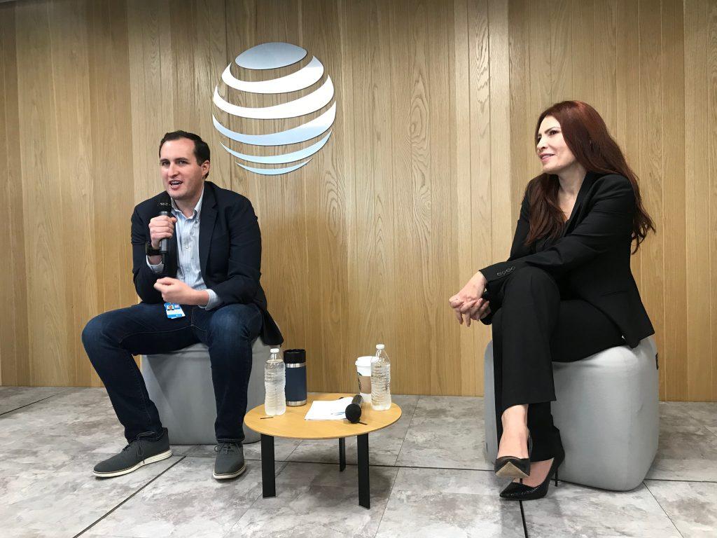 Esta semana, AT&T y Fleet Complete presentaron en conjunto su nueva oferta de dispositivos conectados en México.