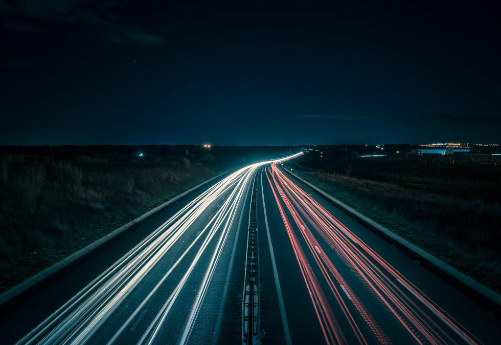 Cintra, Ferrovial y Ennomotive buscan soluciones que optimicen el mantenimiento y sustitución de los bolardos separadores en la autopista.