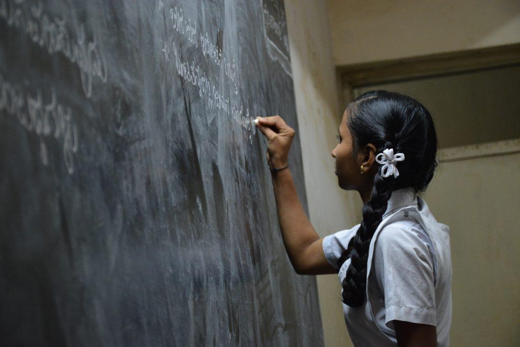 La educación es clave para un impacto social positivo, ya existen emprendedores sociales que buscan mejorar el aprendizaje y acceso a la educación